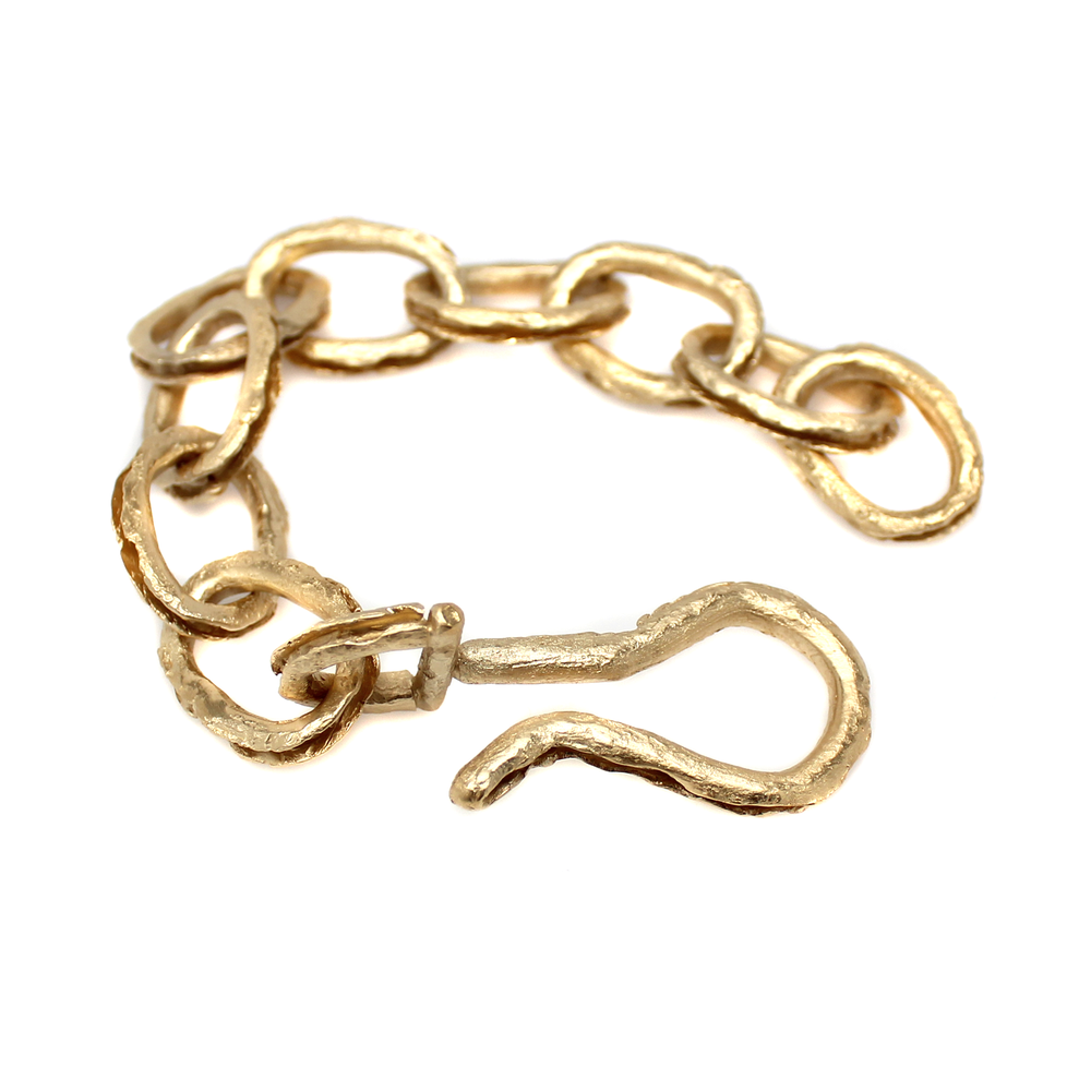 Large Hollowed Link Bracelet With Hook