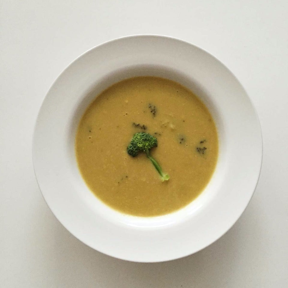 cooked bowl of broccoli cheddar soup
