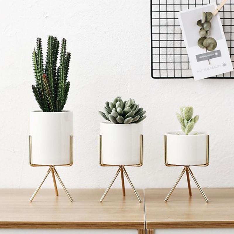 Nordic Triangle Base Pots