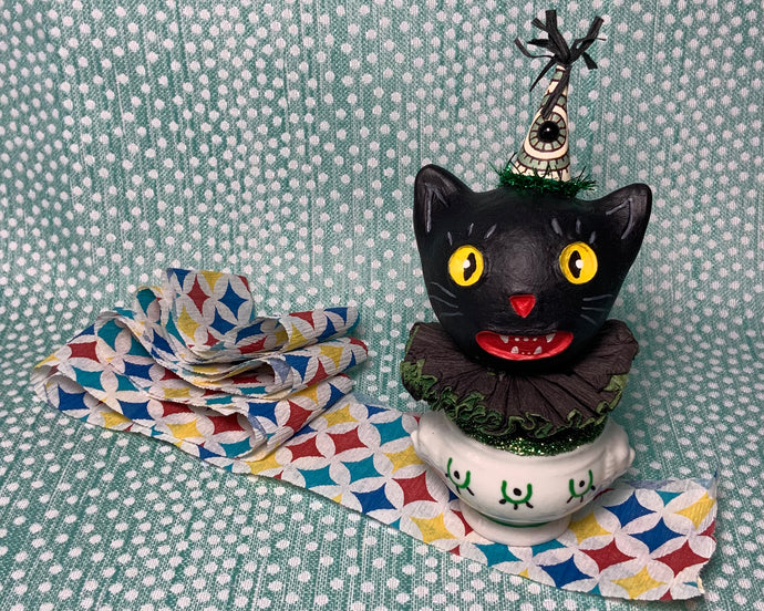 Kitty in a Cup Totem - Green Black