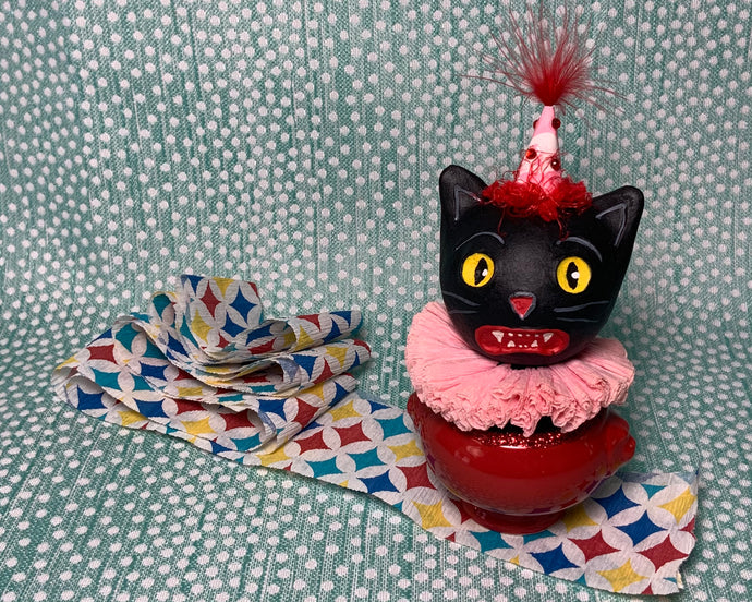 Kitty in a Cup Totem - Red Pink