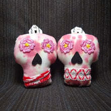 Load image into Gallery viewer, Plush Sugar Skull Ornament Set