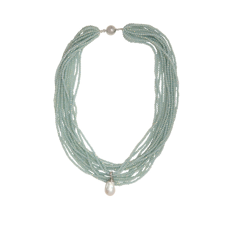 THE CRYSTAL NECKLACE IN LITE BLUE