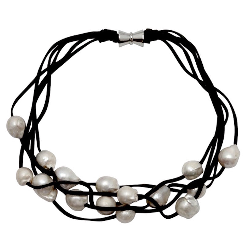 5-STRAND PEARLS ON SUEDE (WHITE ON BLACK)