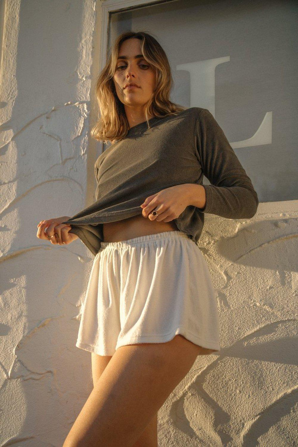 The Relaxed Short / White | Summi Summi | Mad About The Boy