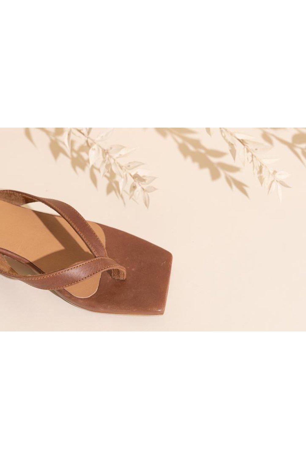 Innamorata Kitten Heel - Brown Vintage | James Smith | Mad About The Boy