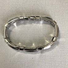 Load image into Gallery viewer, Trifari Silver Tone Bracelet
