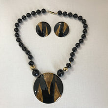 "Load image into Gallery viewer, Black & Gold 20"" Necklace Set"