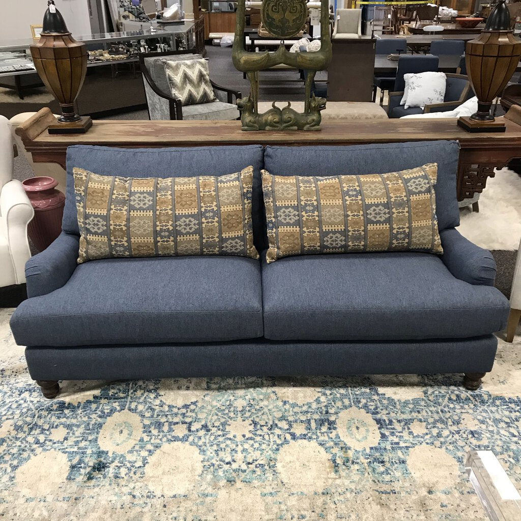Blue Sofa w/ Pillows (34.5x80x40)