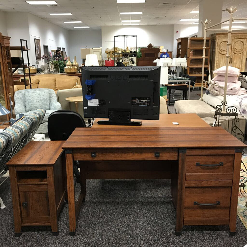 Desk with Chair & Printer Stand (30x53x23)