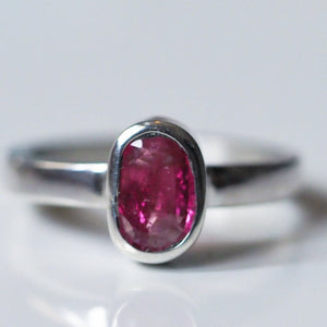 "Rubellit ""oval"" ring"