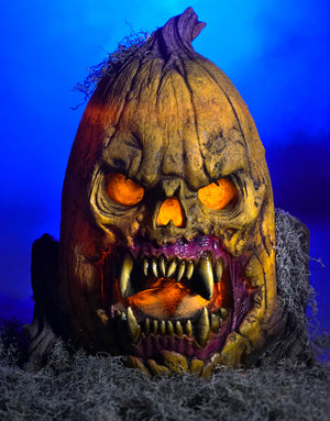 Grizzly Gourd animatronic Halloween prop by Distortions Unlimited. This evil jack-o-lantern Frightronic looks like its ready to bite!
