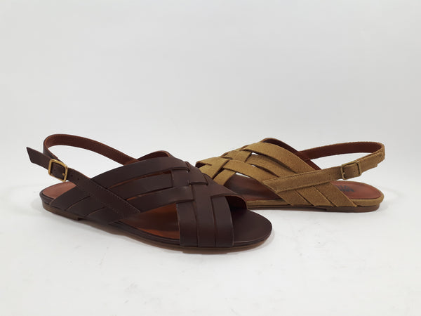 Sandals with cross straps in brown