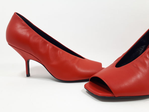 Red peep- toe pump