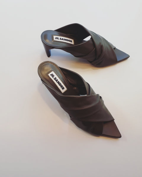 Mule sandal in moka brown