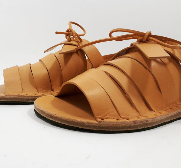 Sandal in natural leather