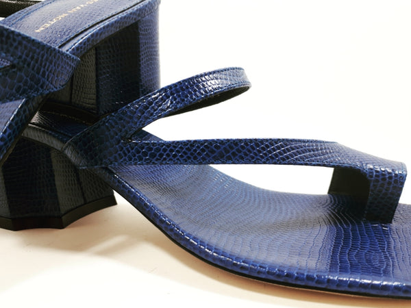 Sandal in blue