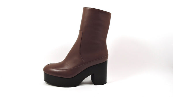 Platform boots in color tan