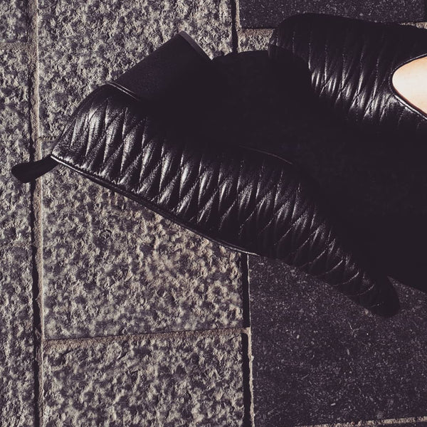 Black pumps with cilinder heel