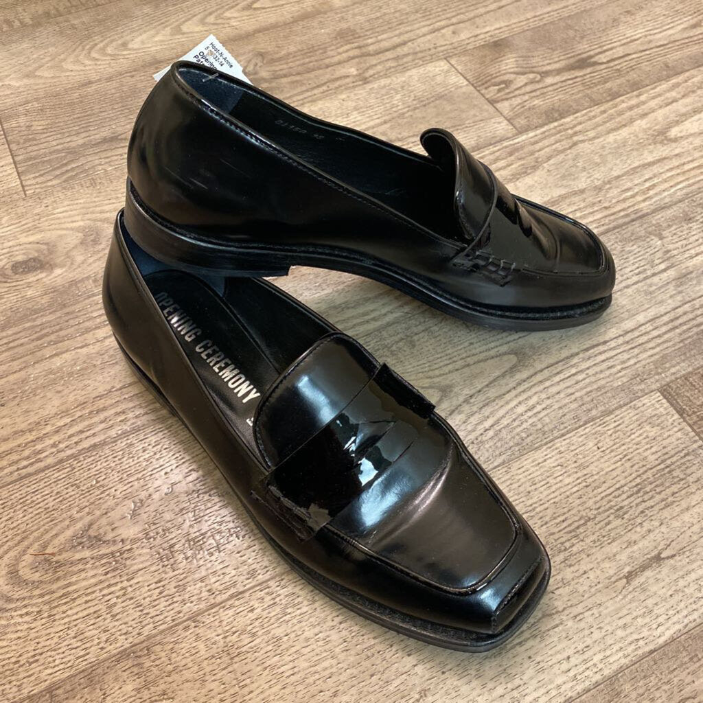 7.5: Black Patent Leather Penny Loafers