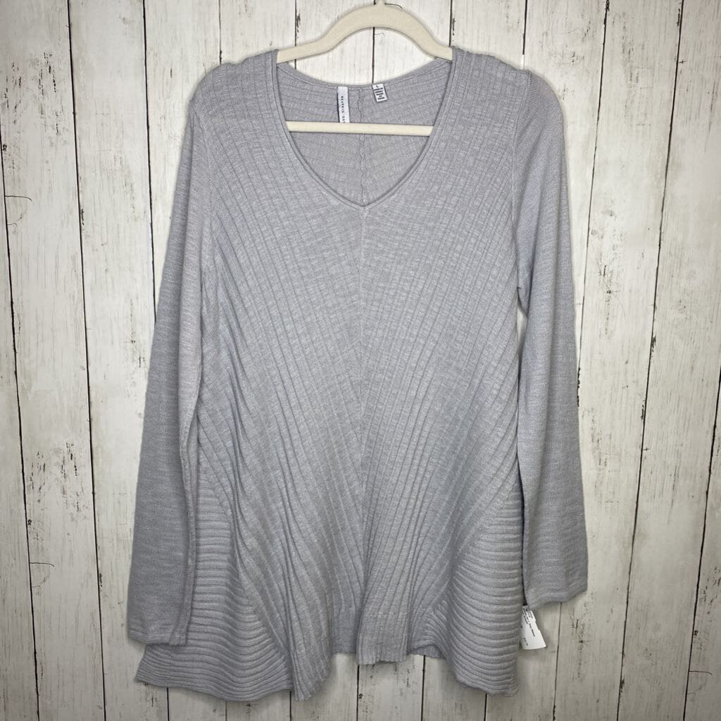 L: Grey Ribbed Asym Sweater