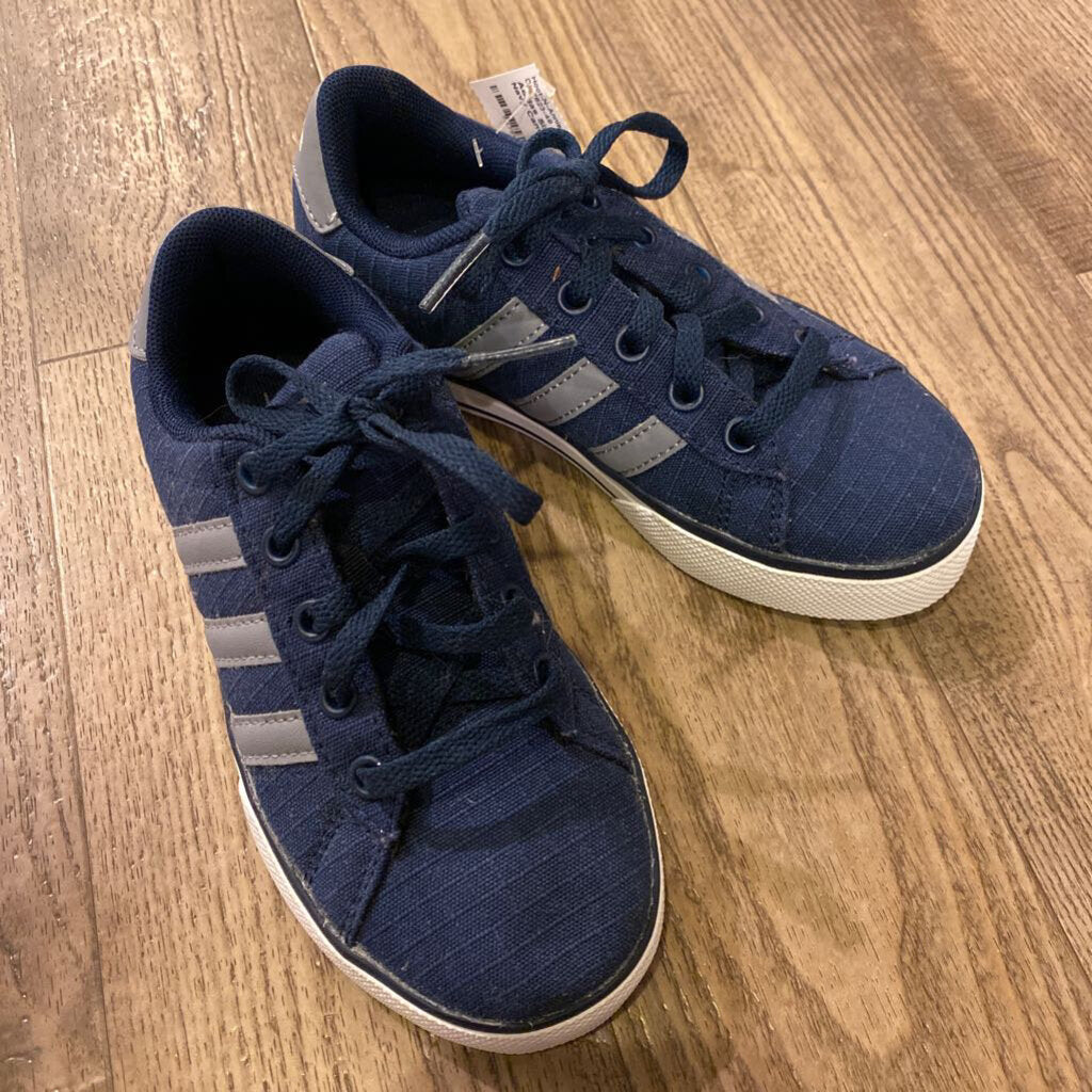 Size 12: Like NEW Navy Canvas Shoes