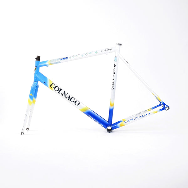 A Colnago Mapei Team frame, in blue and white, from the non-drive side