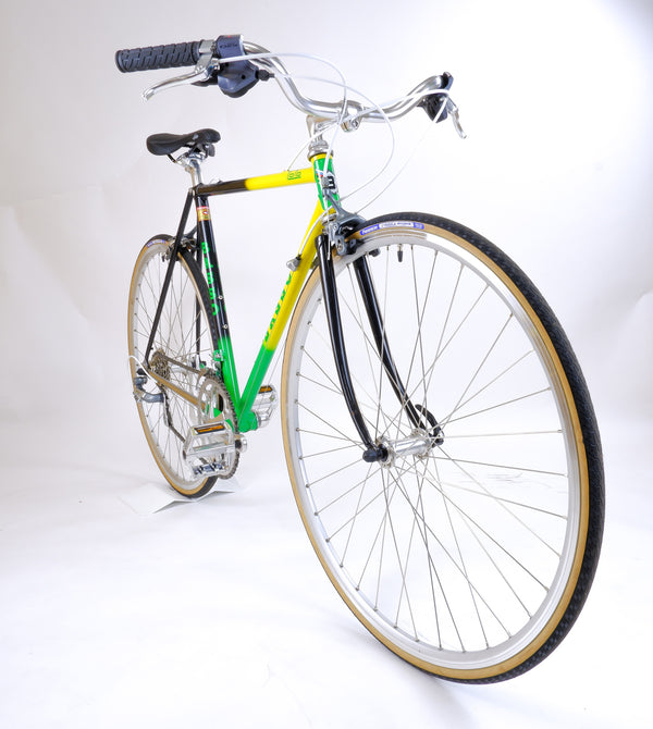 Basso Loto Green 52cm side profile of driveside.