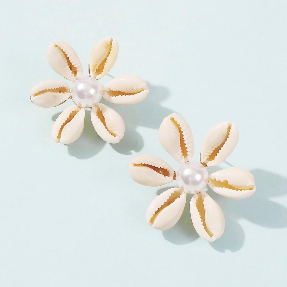 Shell Chic Earrings