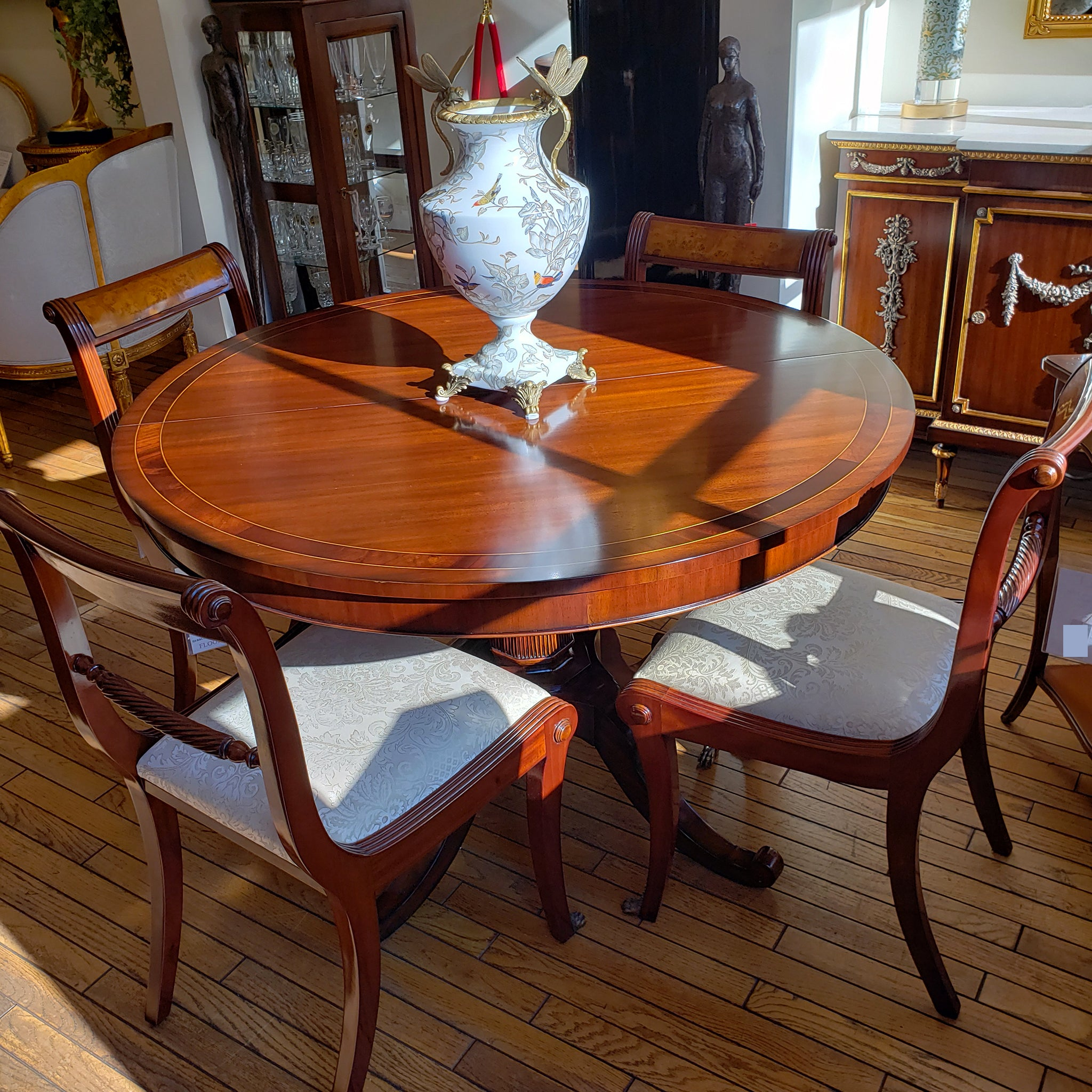 Round Dining Table with Two Leaves   Mahogany – Tradition De France