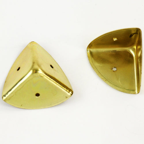 S761 - Medium Brass Plated Corners
