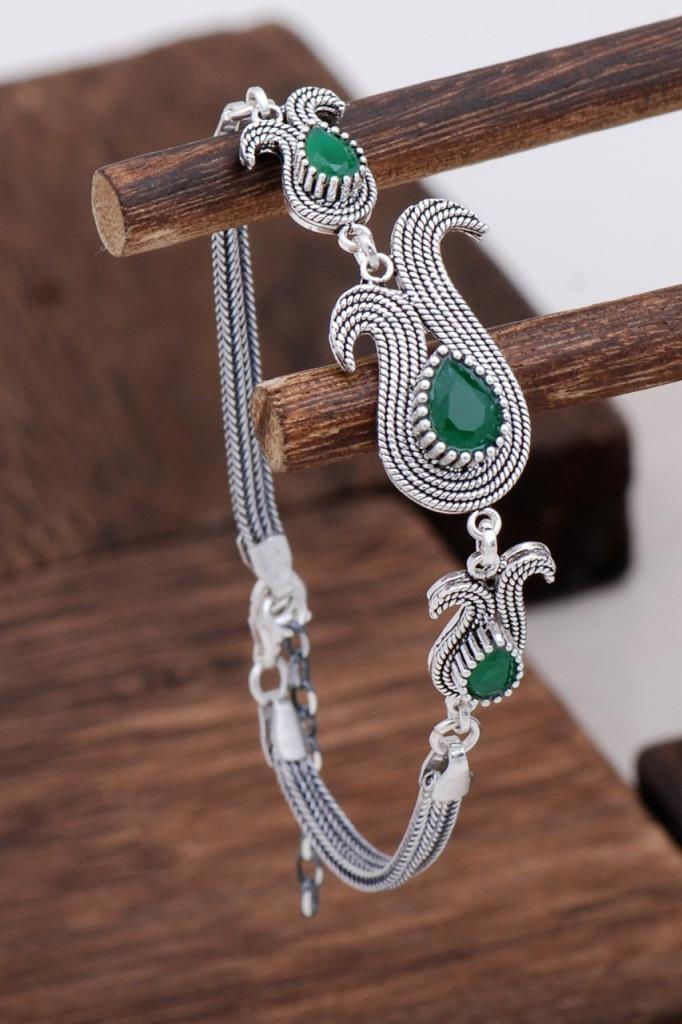 Root Emerald Stone Design Silver Bracelet
