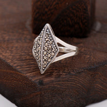 Load image into Gallery viewer, Marcasite Stone Design Silver Ring