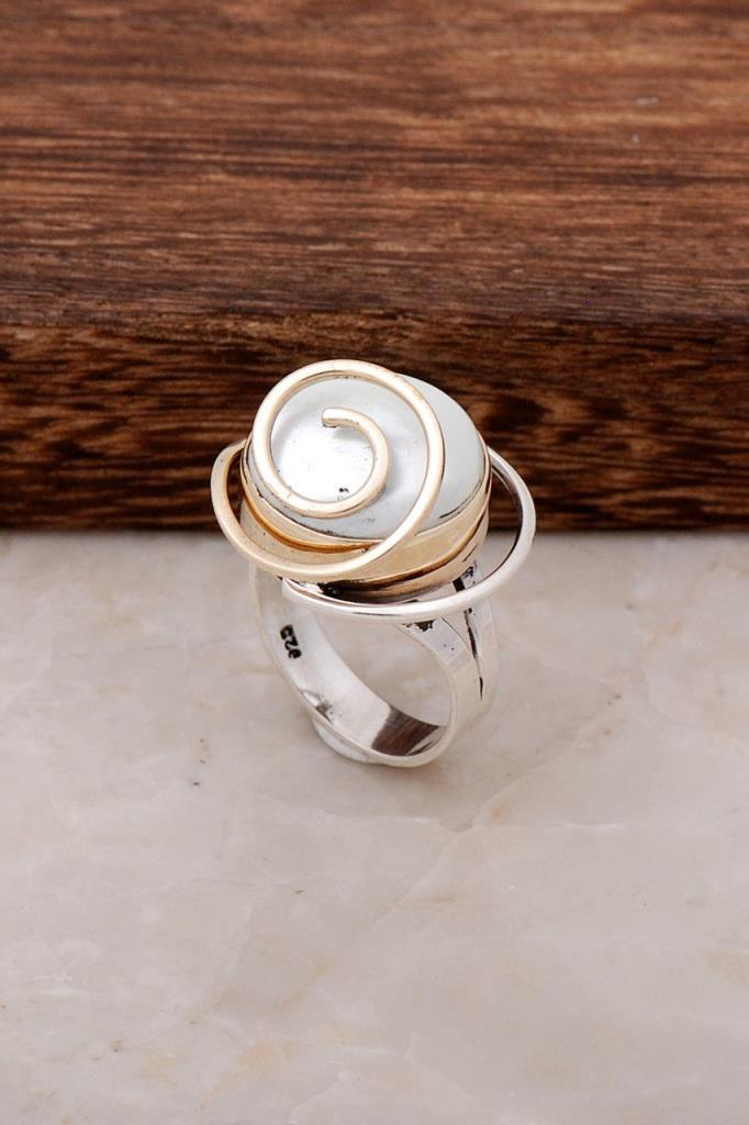Mother-of-Pearl Stone Silver Ring