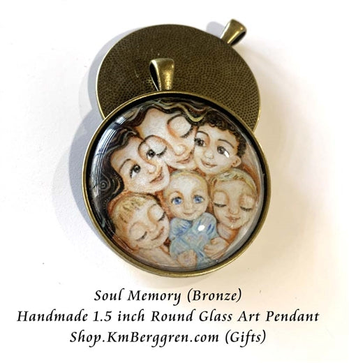 Mom with five children glass art pendant necklace mothers gift 1.5 inches across handmade by the artist
