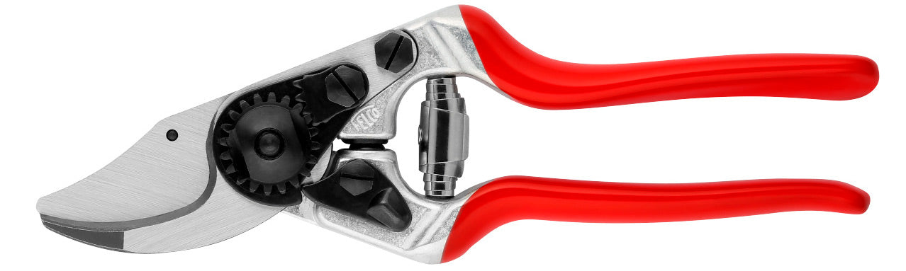 Felco Pruner Model 14 : Ergonomic, for SMALLER HANDS - F14