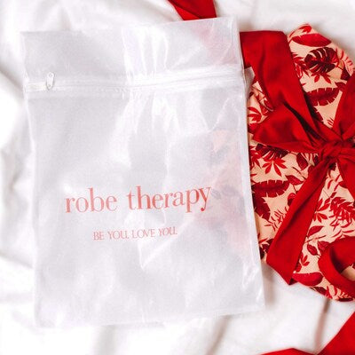 Robe Therapy Washbag with the Red Robe