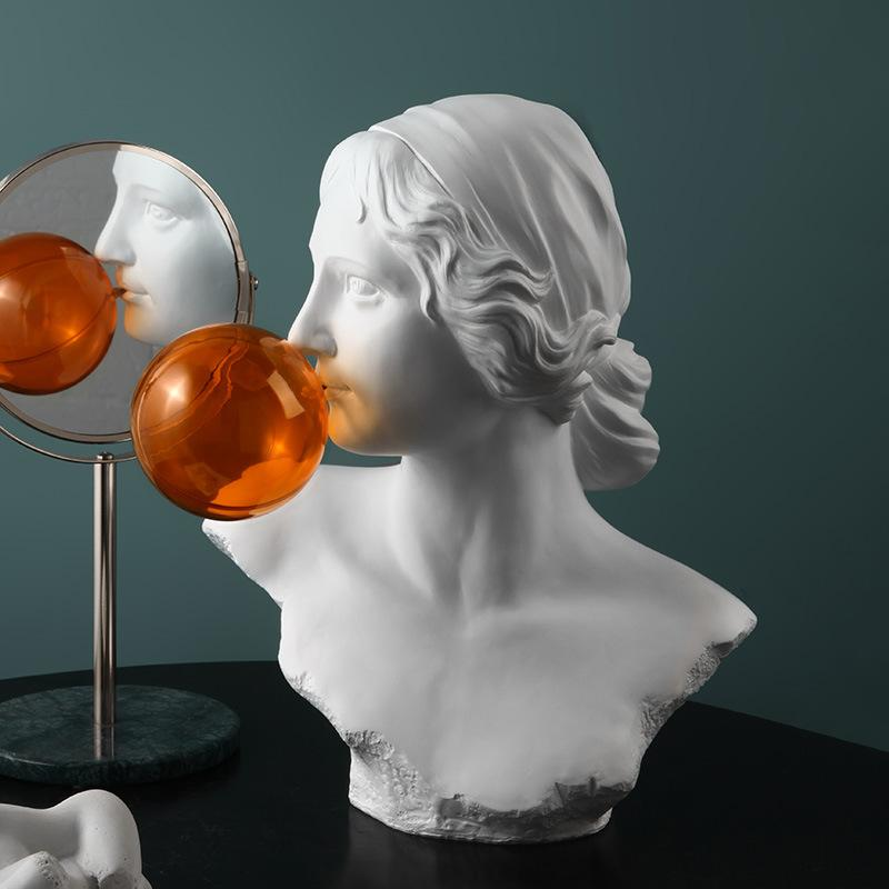 Greek Roman-Statue Of Popping Bubble Gum