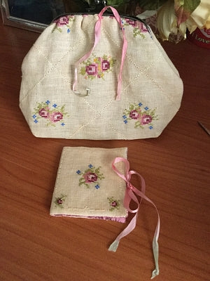 My Romantic Sewing Purse (Includes finishing instructions and closure click clack)