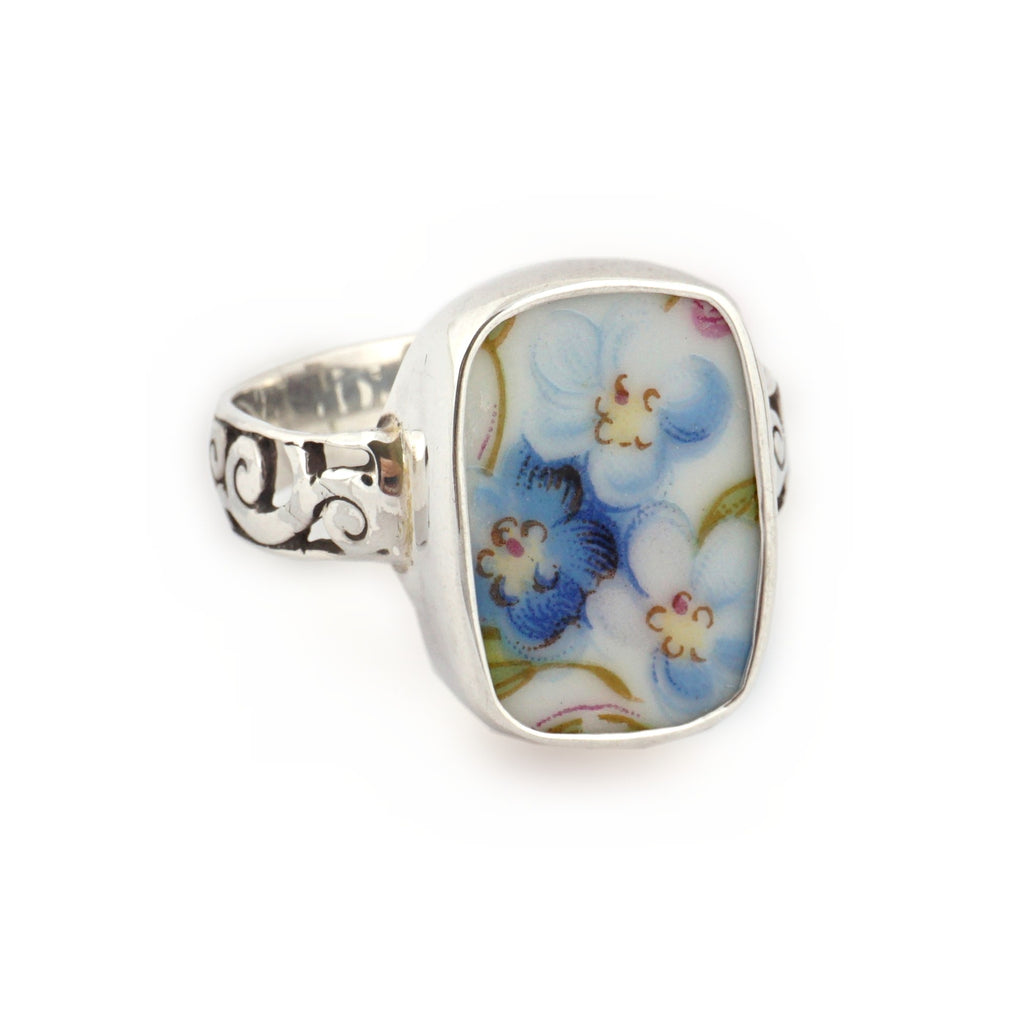Size 12 Broken China Jewelry Blue Forget Me Not Flowers K Sterling Ring