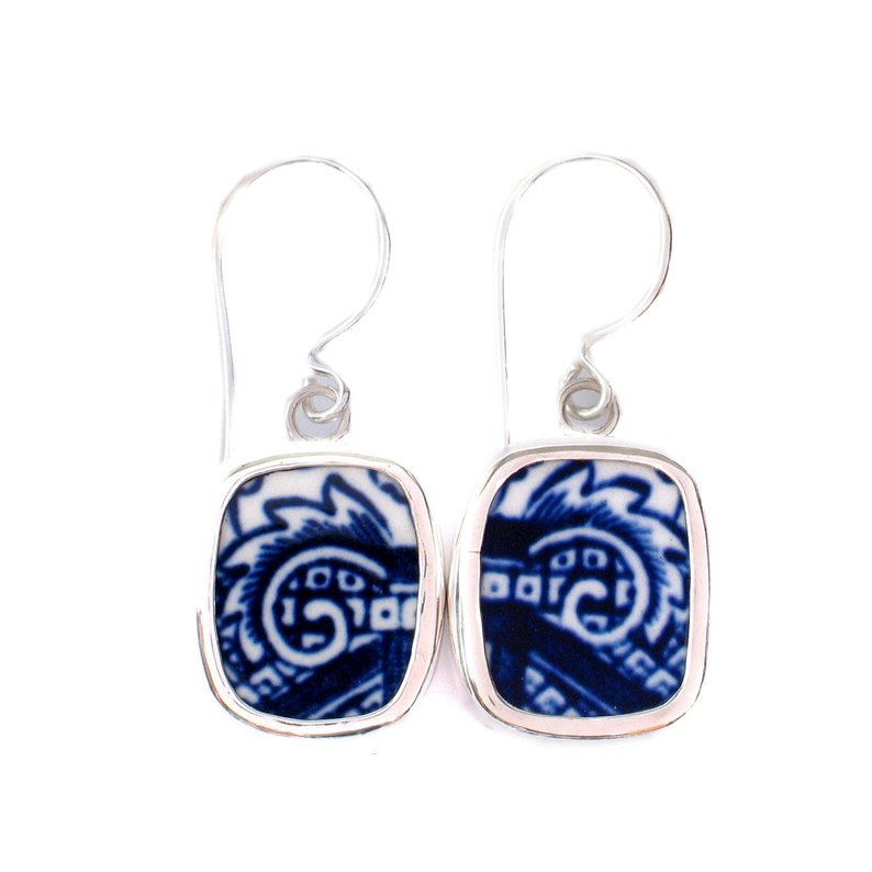 Broken China Jewelry Blue Willow Scroll Sterling Earrings