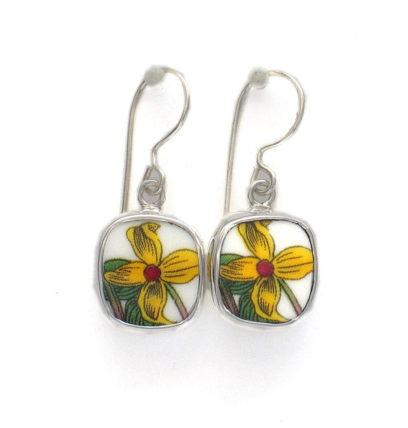 Broken China Jewelry Portmeirion Botanic Garden Yellow Jasmine Flower A Sterling Earrings