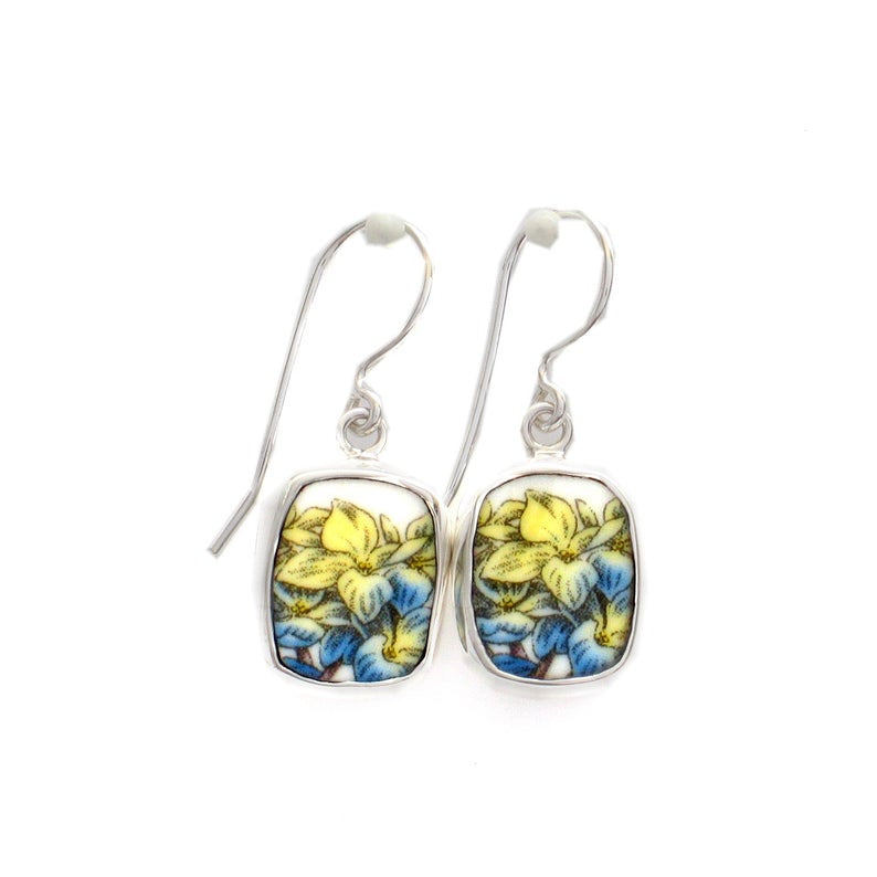 Broken China Jewelry Portmeirion Botanic Garden Blue & Yellow Hydrangea Flower Blossoms Earrings