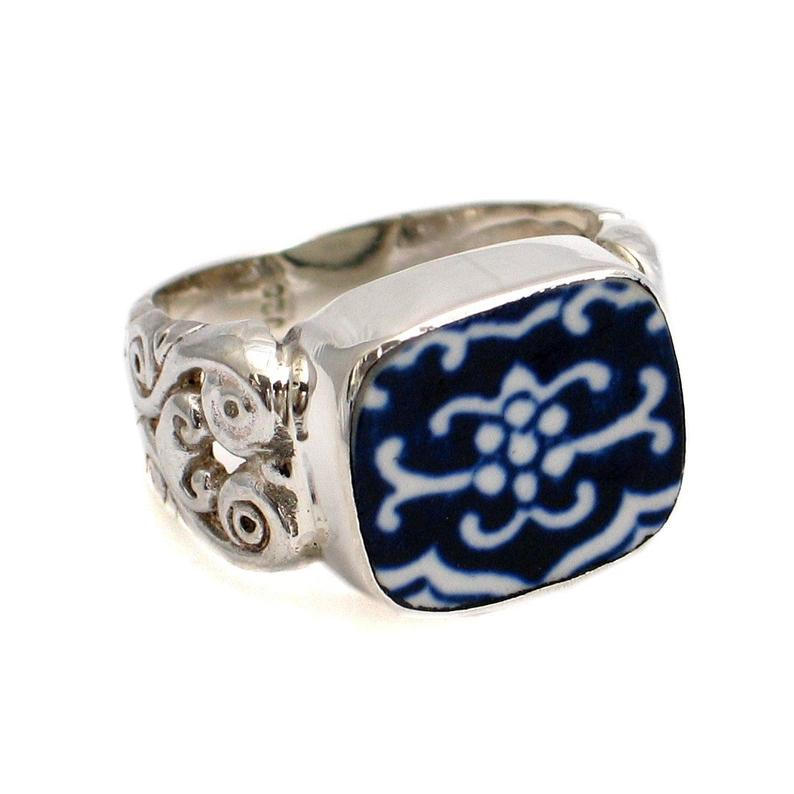 Broken China Jewelry Blue Willow Crest Sterling Ring