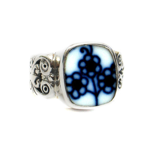 Size 8 Broken China Jewelry Blue Danube Triple Flower Sterling Ring - Vintage Belle Broken China Jewelry