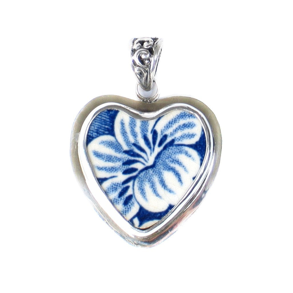 Broken China Jewelry Staffordshire Liberty Blue Colonial Scenes Floral Heart Sterling Pendant