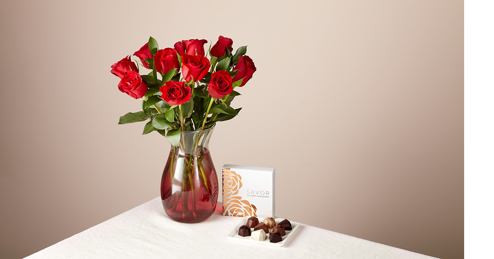 Love Story Bouquet And Chocolates Gift Set