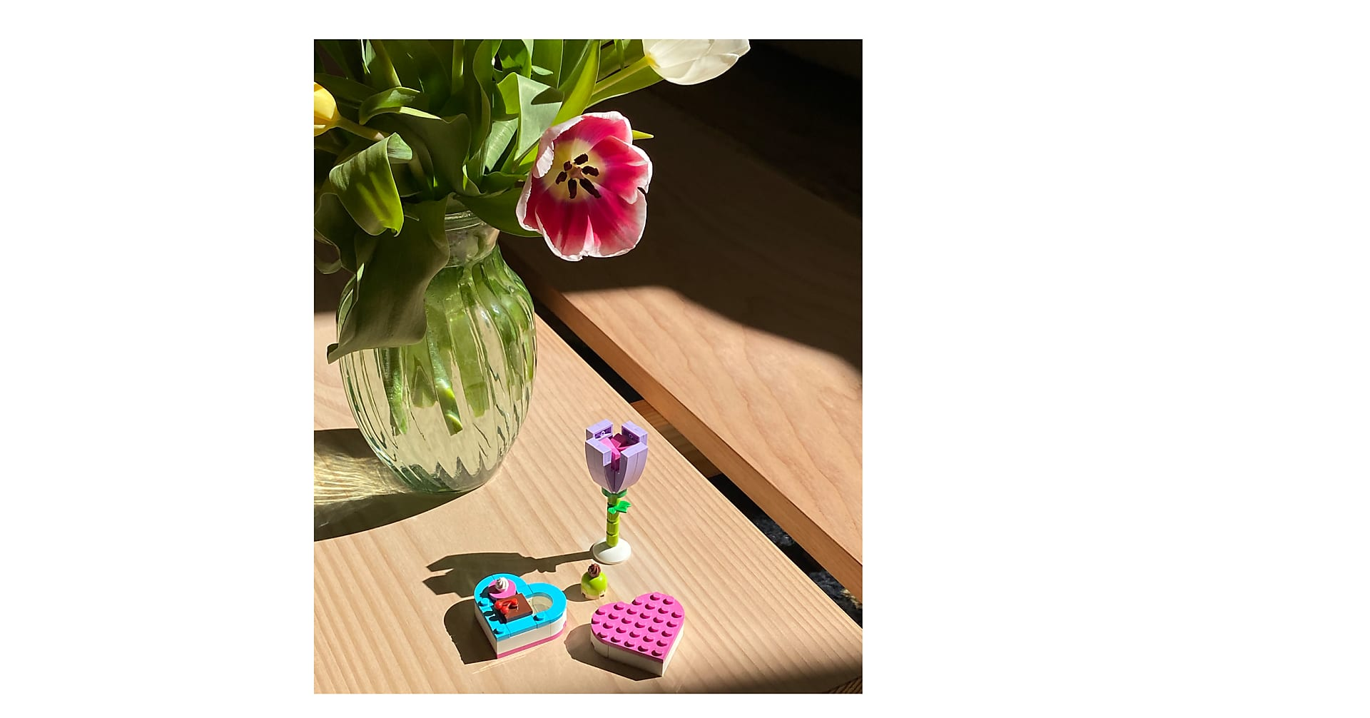 15 Mixed Tulips with Vase and LEGO Bloom Builder Bundle - Image 2 Of 2