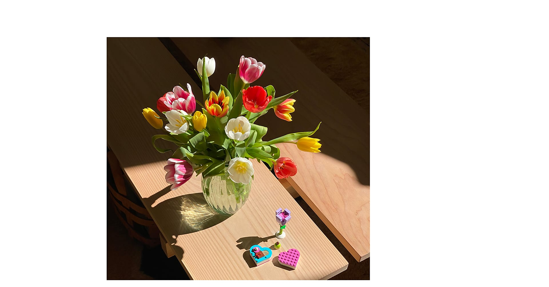15 Mixed Tulips with Vase and LEGO Bloom Builder Bundle - Image 1 Of 2