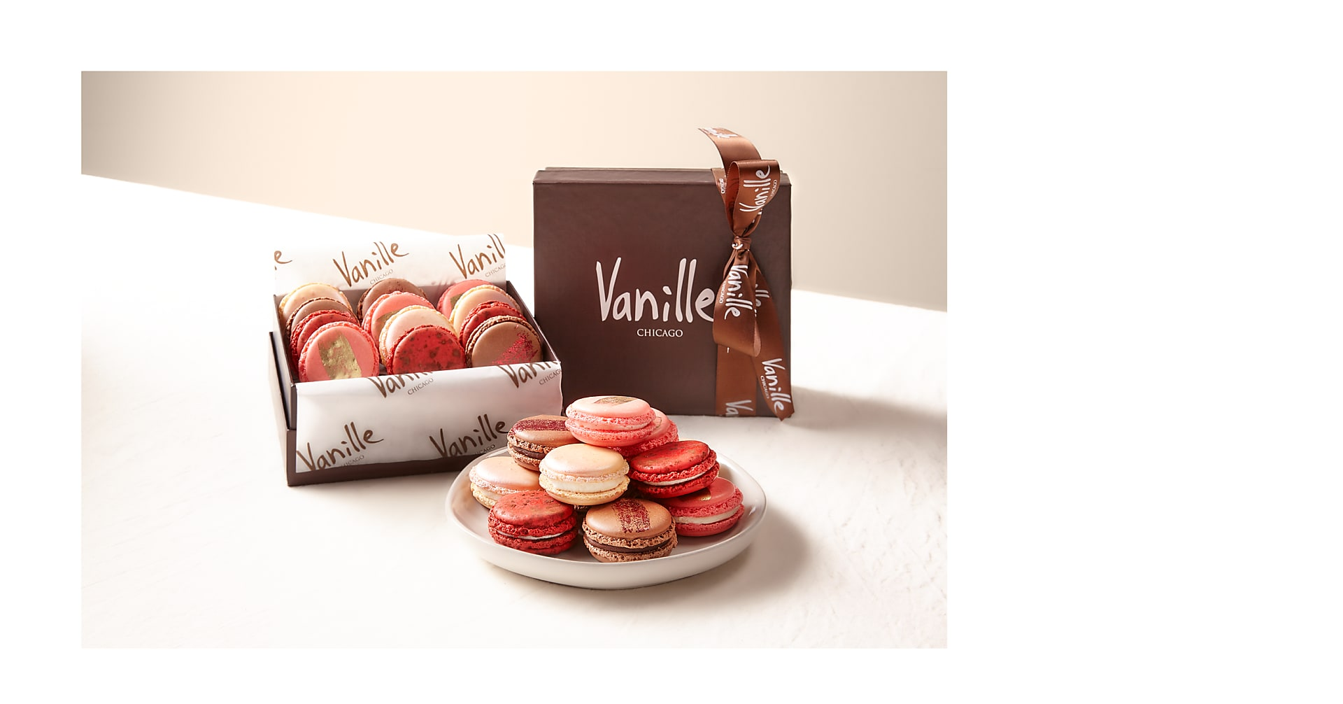 L'amour Macaron Gift Box - Image 1 Of 2